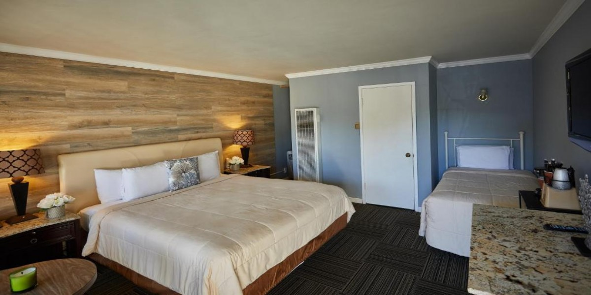 Standard King Room with Twin Room View
