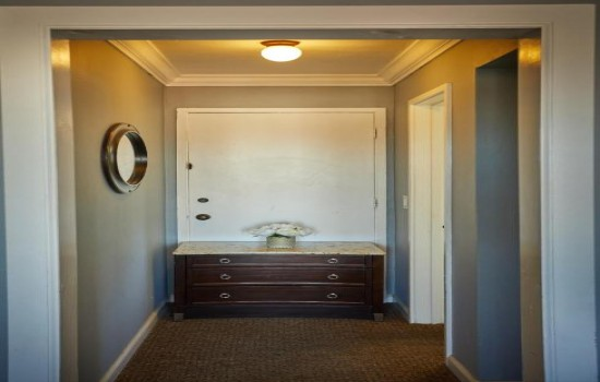 Deluxe Room with Two Queen Beds -  Entrance Area